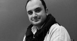 بیوگرافی و عکس های احسان کرمی بازیگر