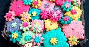 طرز تهیه شیرینی گل مینا ویژه عید نوروز