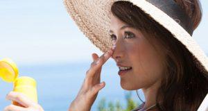 آرایش تابستانی در روزهای گرم چگونه باشد تا بیشتر روی پوست ماندگار باشد؟