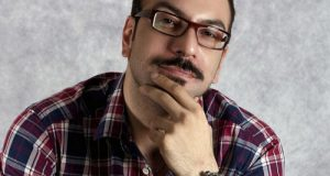 بیوگرافی و عکس های یزدان فتوحی کارگردان کلیپ ناخونک عصر جدید
