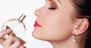 ترفندهایی برای اصولی عطر زدن و راز ماندگاری عطـر زنان خوشبو
