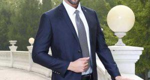 راهنمای ست کردن کت و شلوار سرمه ای آقایان با پیراهن و کفش و کراوات