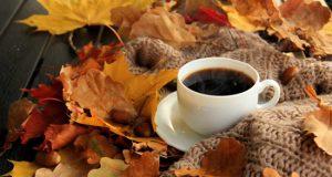عکس پروفایل زیبا و رویایی فنجان چای و قهوه در هوای پاییز