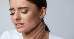۱۰ راهکار کاربردی برای مبتلایان به درد گلو در روزهای سرد زمستانی
