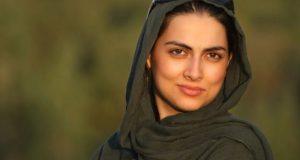 بیوگرافی و عکس های هستی فرحی یزدی بازیگر و نوازنده