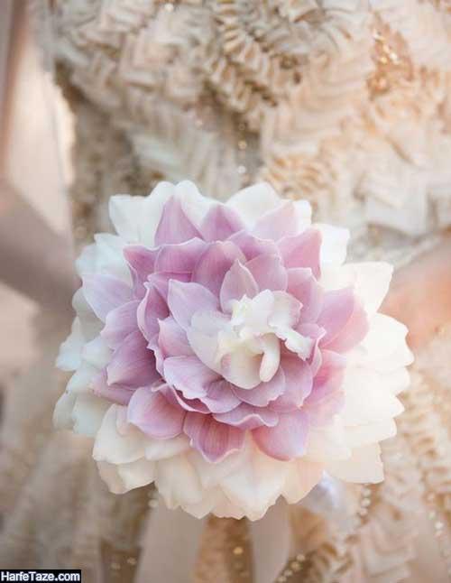 دسته گل عروس ایرانی با گلهای درشت