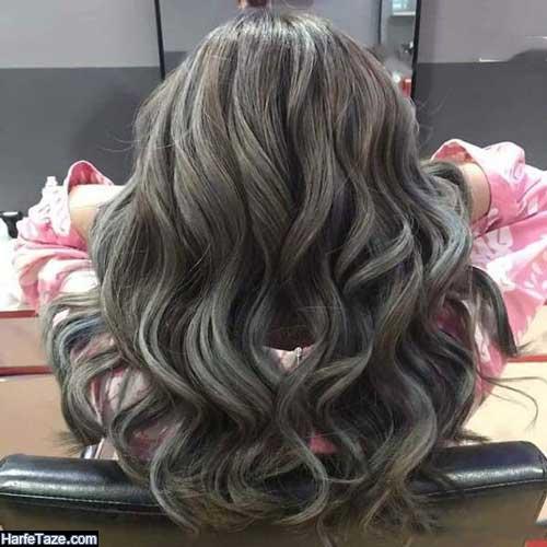 رنگهای هایلات مو دودی و نسکافه ای روی موهای فر