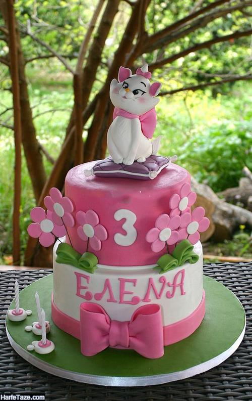 تزیین کیک تولد کودکانه در منزل با فوندانت با تم کیتی