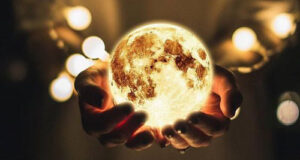 عکس پروفایل ماه با منظره شب و ابر + عکس و متن با موضوع ماه و شب و ستاره