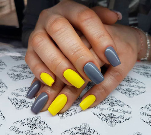 مدلهای جدید آرایش ناخنهای دست ترکیب زرد و خاکستری دخترانه
