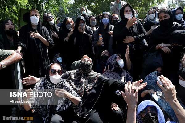 تصاویر / لحظات تلخ مراسم خاکسپاری ریحانه یاسینی و مهشاد کریمی خبرنگاران جان باخته