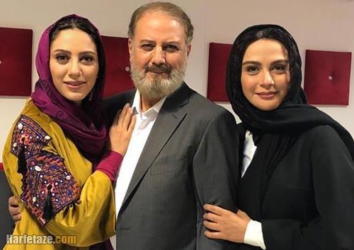 مونا فرجاد و پدر و خواهرش